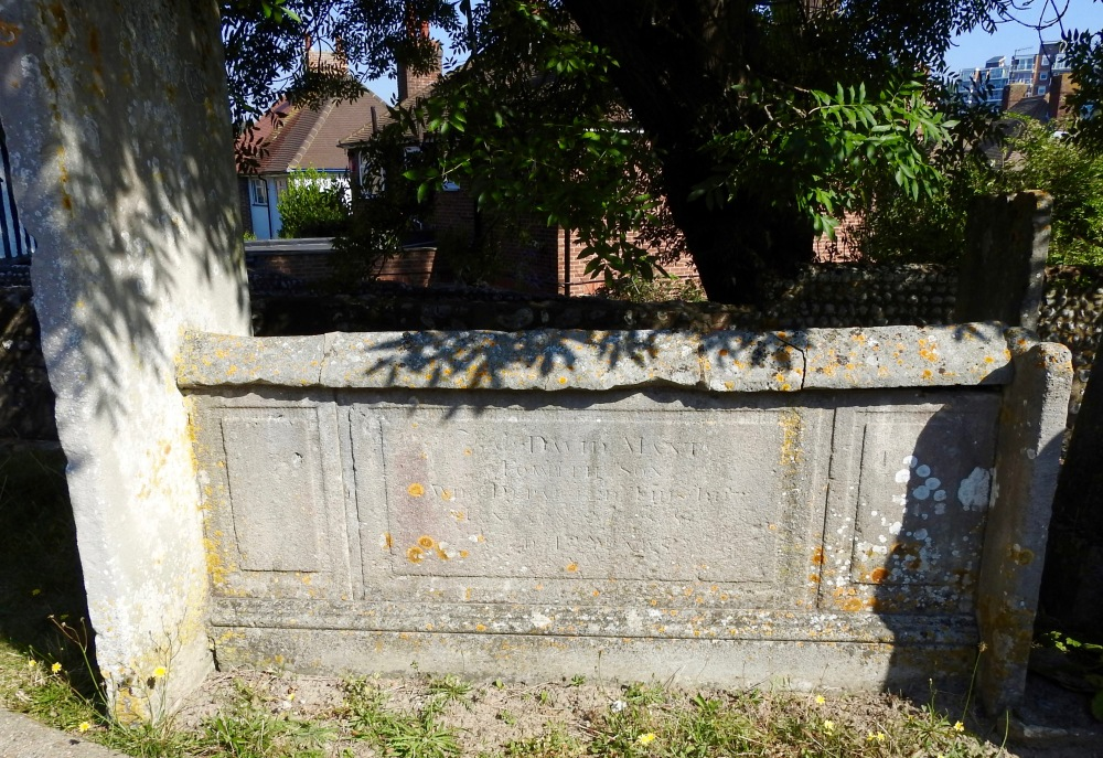 David Mant Chapman Grave.jpg