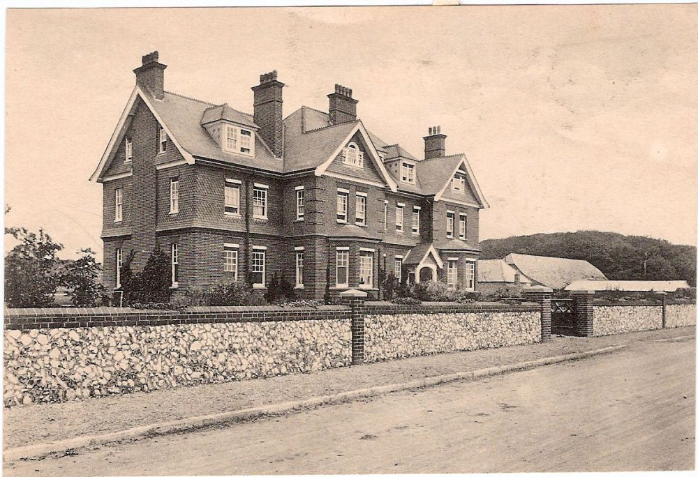 Downs School Front c1920